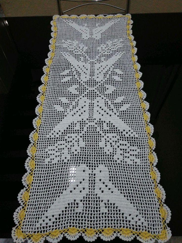 Caminho de mesa de Crochê Modelo Pássaros Tamanho 96x38cm Confeccionamos de outras cores