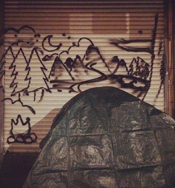 des maisons imaginaires pour les sans abris en street art   des maisons imaginaires pour les sans abris street art par skid robot 7