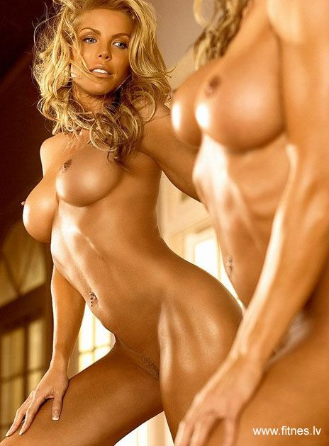 Athletic hot girl nude
