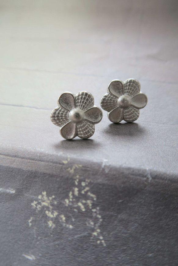 銀花明るいブロンズ彫刻形状シンプルな中立人格懐かしいレトロなハンドメイドのイヤリング