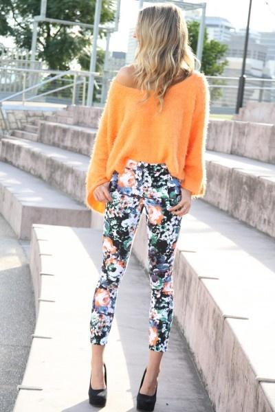 floralFashion, Prints Pants, Floral Prints, Summer Looks, Orange Sweaters, Street Style, Floral Pants, Crazy Pants, Floral Pattern