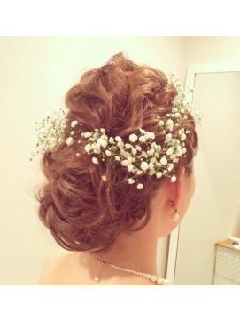 憧れのジューン・ブライド♡可憐な花嫁に似合うブライダルヘアスタイルの14枚目の写真 | マシマロ