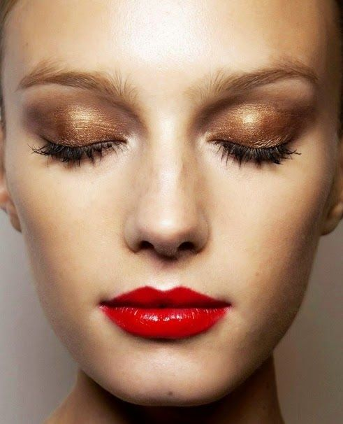 New Year's Eve Party Make-up - how to create a bronze eyed, red lipped filmstar look!