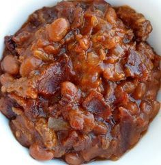 Baked bean casserole with ground beef and bacon. A Trisha Yearwood recipe.