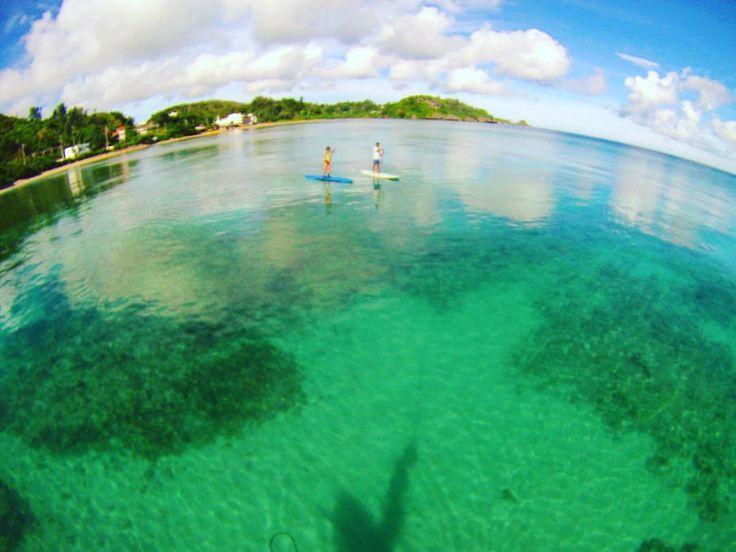 SUPで綺麗な海へ 運が良ければマスクなしで海の中が見えます #seanasurf  #沖縄 #sea  #sup #okinawa  #okinawasup  #okinawasurf  #beautiful  #okinawabeach  #沖縄旅行  #沖縄最高  #沖縄好き  #sup沖縄 #シーナサーフ