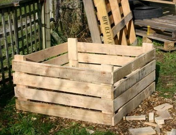 Diy Barn Wood Art To Build A Compost Bin Out Of Wooden Pallets Pallet Furniture Diy