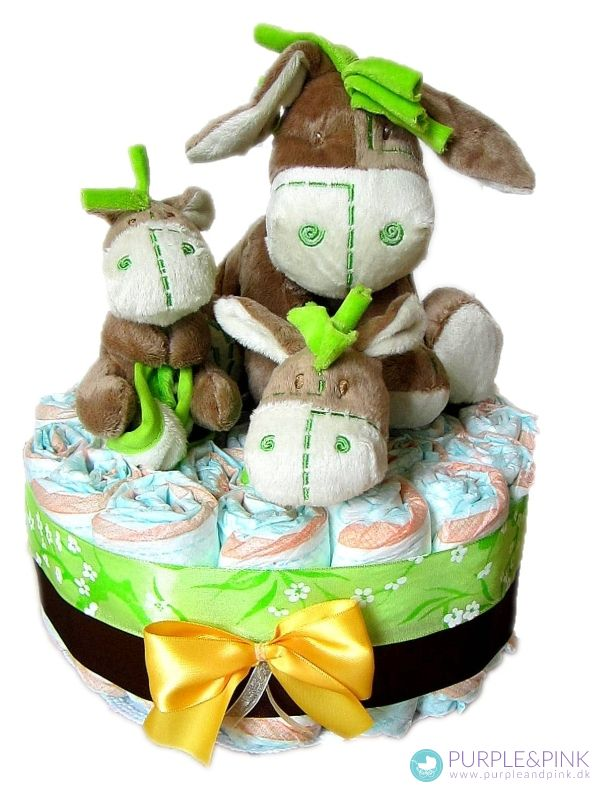 Elskelige Æsel Diaper Cake - #dåbsgave eller #barselsgave med spilledåse