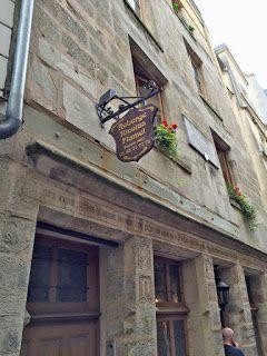 1000 images about paris france on pinterest tour for Auberge de jeunesse la maison paris