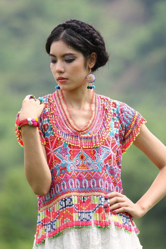Hmong Bracelet / Pompom bracelet/cuff/Ethnic por CHEZMOIMYHOME