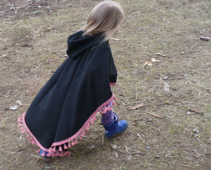 Black cape free pattern.  I'd love one in adult size, might have to try that :)  http://thelittleredhen.typepad.com/my_weblog/2009/03/play-capes.html