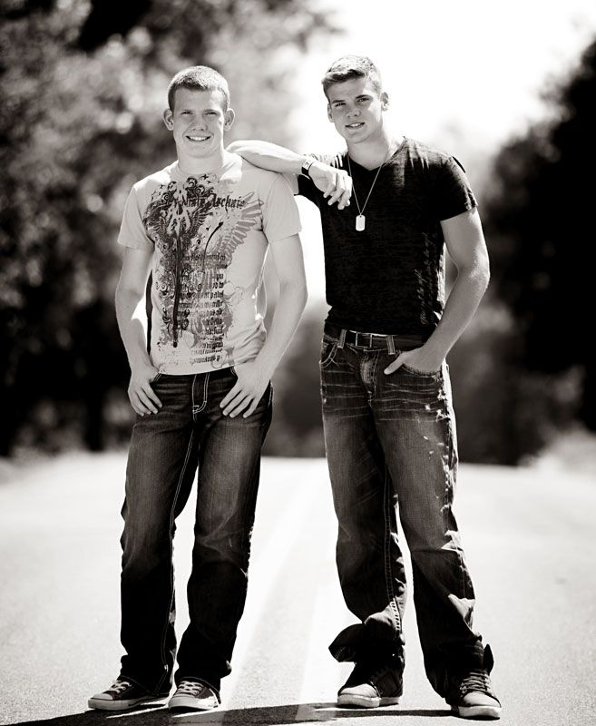 Picture Ideas Brothers: 25+ Best Ideas About Twin Senior Pictures On Pinterest