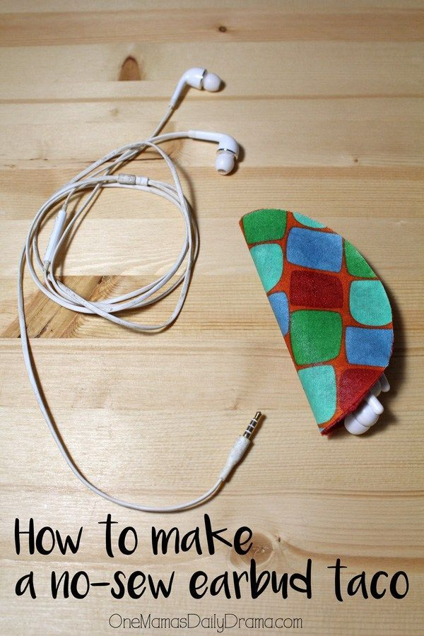 How to make a no-sew earbuds taco | Great handmade gift idea! I need to make this for myself too - my earbuds are always tangled. Love how QUICK this is to make.