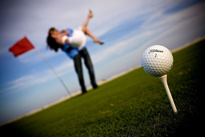 """FORE!!!! It's hard enough to get your guy to like """"wedding stuff"""". Get him involved with a themed picture for his desk or wallet...We love this idea for the golf lover! Good idea for engagement photos"""