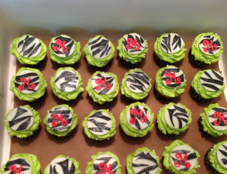 "Zebra ""diva"" cupcakes for pre-teen girl's birthday"