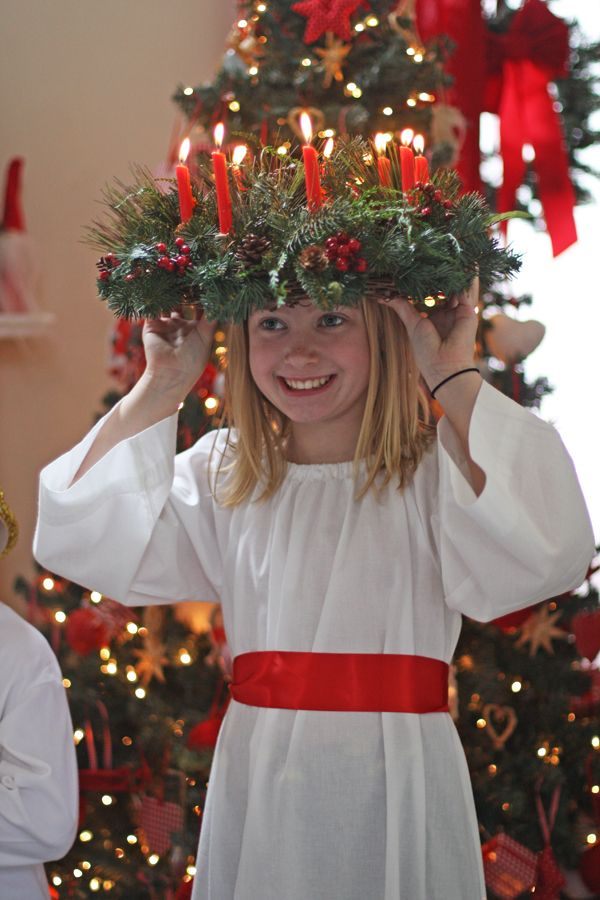 st lucia attendants | Olabelhe: St. Lucia Celebration-- I remember doing this in the Swedish Lutheran church we used to go to. I even got to be the Lucy Queen one year :)