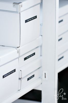 DYN white boxes + dymo tape for super organisation ♥
