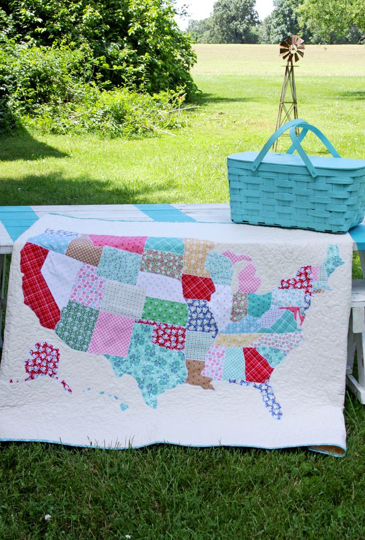 Featured at #CreateItThursday: This US State Map Quilt is easy to sew up and comes with a free Pattern! It's perfect for someone who loves to travel or just to take a long on a road trip!