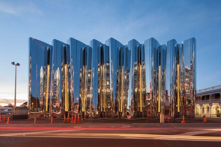 The Len Lye Centre, designed by Pattersons, at night. Photograph by Simon Devitt.