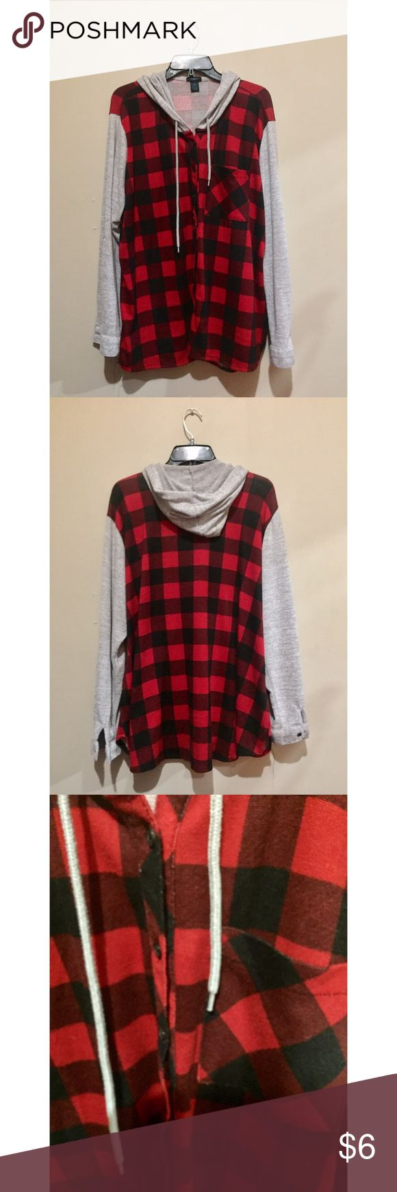 💥Red Hooded Flannel Cute and casual red and black hooded flannel. You can roll up sleeves and secure them. Gently worn but in good condition. Rue 21 Tops Button Down Shirts