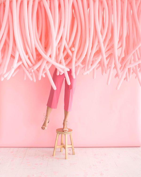 Hanging Balloon Installation | Pinterest: Natalia Escaño