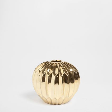 Golden pleated ceramic vase - Vases - Decor and pillows | Zara Home United States
