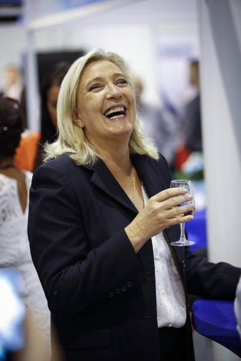 Marine Le Pen lidera sondagens em Nord-Pas-de-Calais. (foto: EPA)