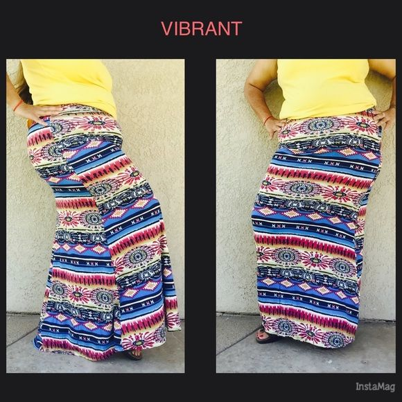 Final priceFold over waist Zig zag print skirt Pretty and colorful  printed skirt . Tag says in S/M also available in L/XL Skirts A-Line or Full