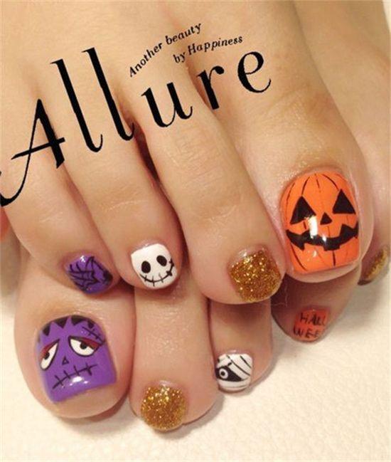 15 Halloween Toe Nail Art Ideas | http://www.meetthebestyou.com/15-halloween-toe-nail-art-ideas/