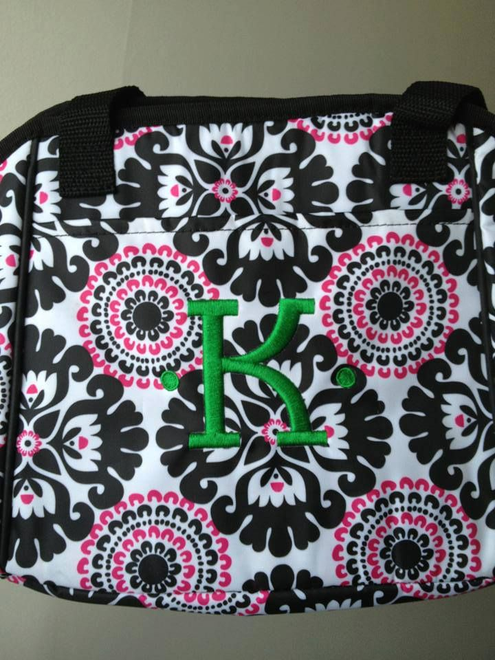 Kelly green personalization on pink pop medallion