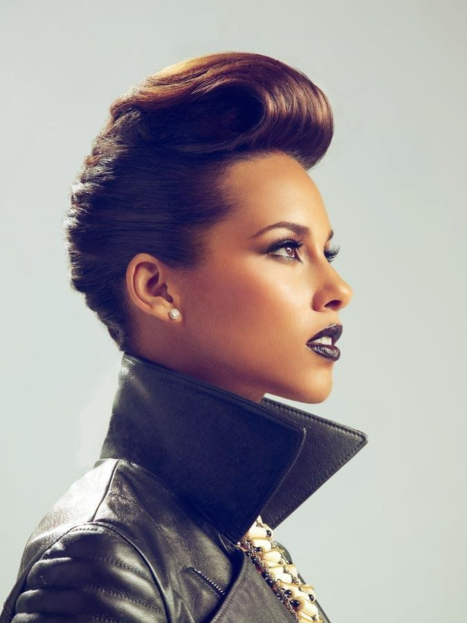 Alicia Keys .... Such a pretty face, cool style and awesome voice.