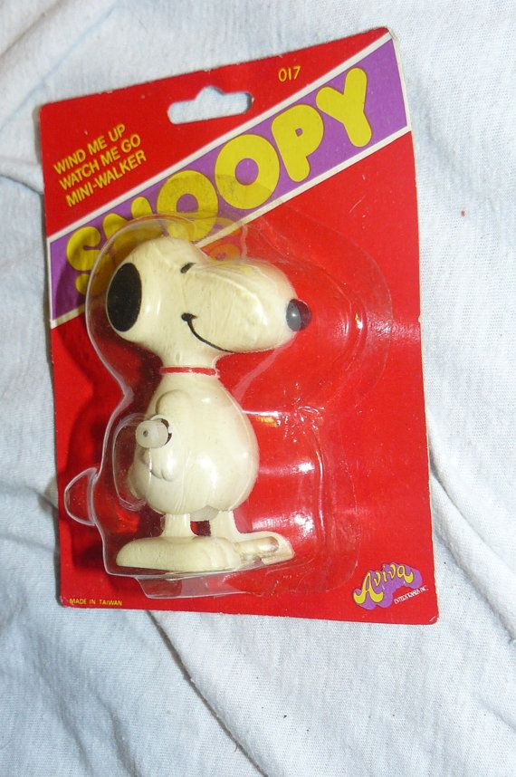 Vintage Snoopy Toy Wind Up Walker  SNOOPY by VINTAGE5AN10CENTSHOP, $12.00