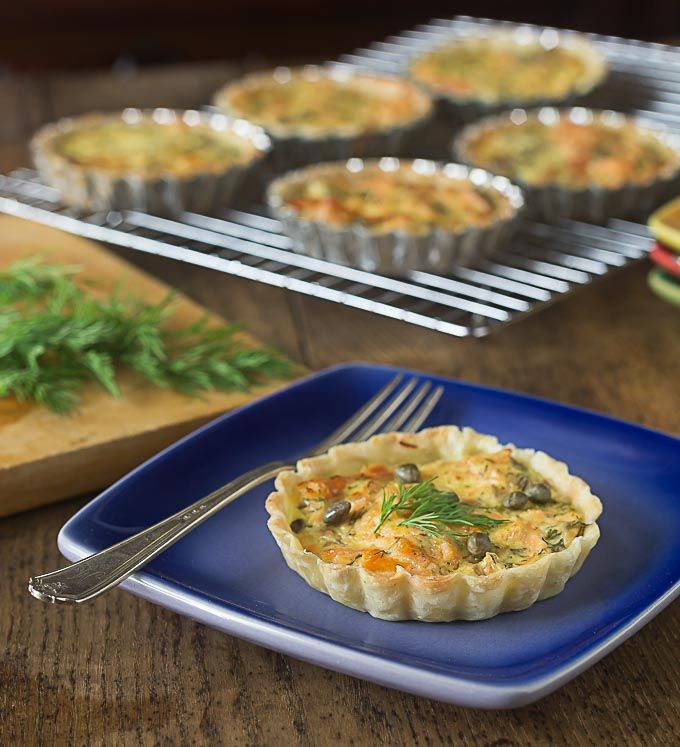 Irish pub salmon tartlets recipe with a simple 6 ingredient filling: Smoked salmon, dill, sour cream, capers and egg yolks together are a simple and elegant dish!  Add a salad for a dinner | ethnicspoon.com