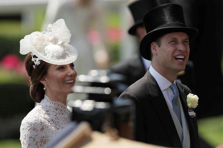 Los duques de Cambridge, padres de los príncipes Jorge y Carlota, esperan su tercer hijo, que será el sexto bisnieto de la reina Isabel II de Inglaterra.