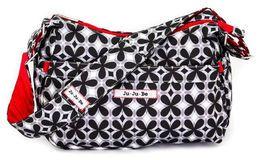 Ju-Ju-Be HoboBe hoitolaukku Crimson Kaleidoscope  Onko se käsilaukku vai hoitolaukku? Emme tiedä, mutta eikö se kuulostakin hauskalta? On yhtä hauskaa (tai jopa enemmän) kantaa sitä! Siihen mahtuu vauvan tavarat loistavasti. Ja kun et enää tarvitse hoitolaukkua, ota mukana tuleva vaipan vaihtoalusta pois ja sinulla on täydellinen käsilaukku. Eikö olekin joustavaa ja hauskaa? Ole itsesi ja enemmänkin HoboBen kanssa …