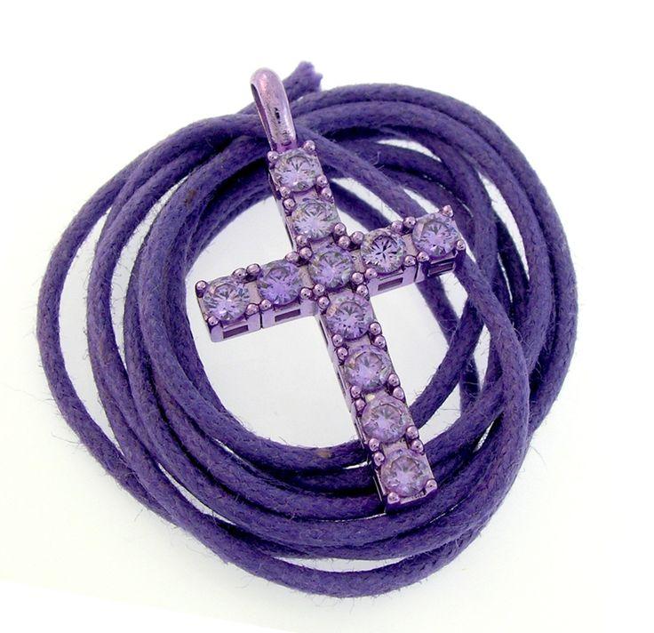 croce viola con zirconi viola e cordino tono su tono