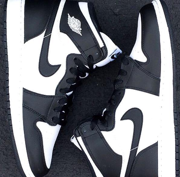 Tiranía grandioso Escalofriante  Retro Air Jordan BlackWhite Nike tg found it in my size and for a bargain D  in 2020 | Air jordans, Nike, Fashion