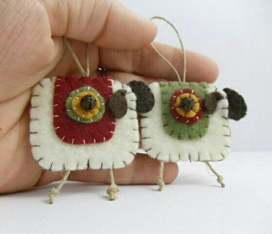 These are so cute- imitation is the sincerest form of  flattery!
