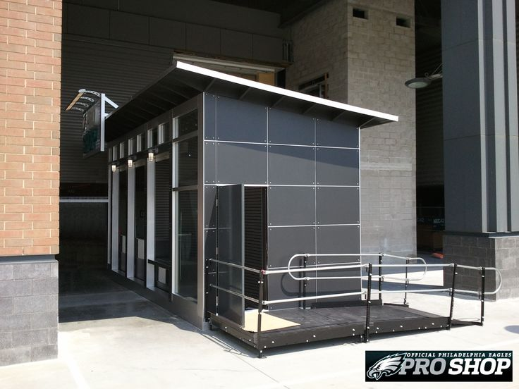 Amramp Philadelphia provided wheelchair access for the Philadelphia Eagles' Pro Shop at Lincoln Financial Field.