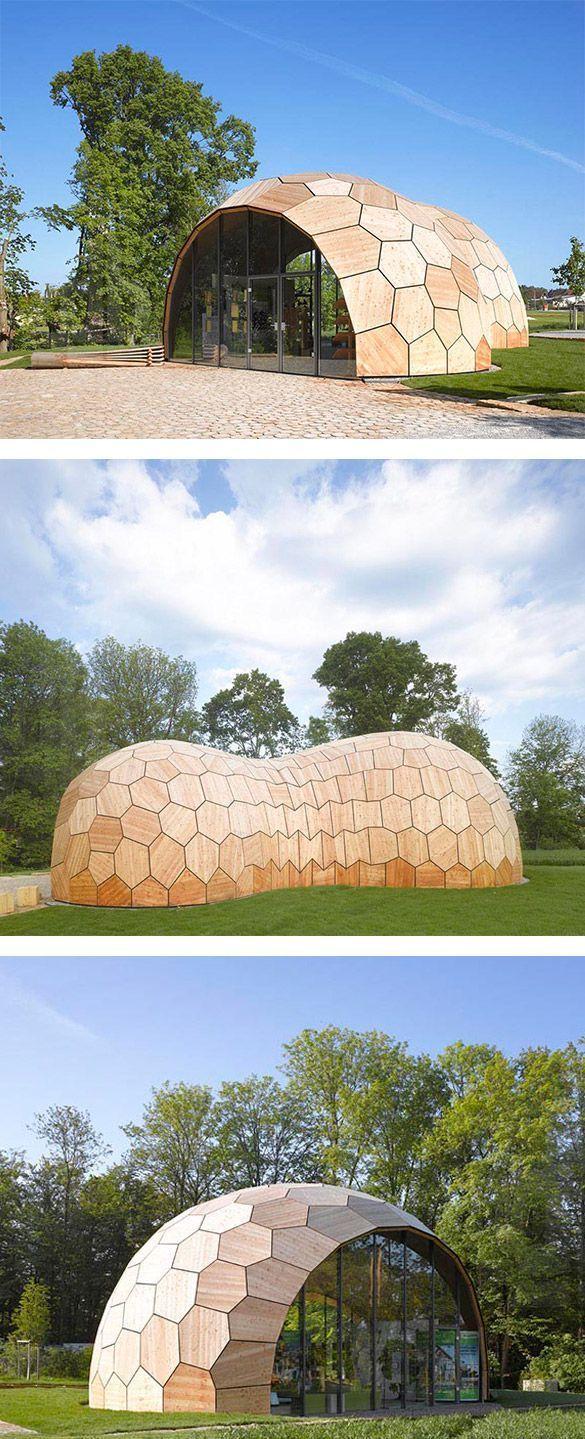 Hey ! :) Le hall d'exposition Landesgartenschau est un bâtiment prototype architectural mais également une vitrine pour les développements actuels dans la conception et la fabricat… #organicarchitecture