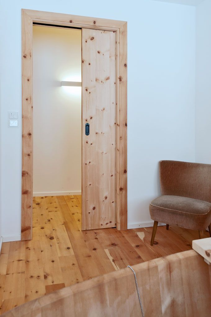 Wellness center: #wood #bathtub #door #Holztür