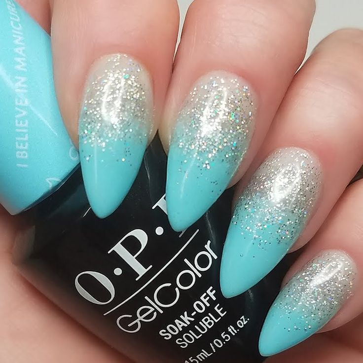 Melissa P keeps her nails looking glamorous in this glitzy ombre finish using her gifted OPI #MyBreakfastAtTiffanys GelColor in I Believe in Manicures, she received this salon-only shade as part of the Preen.Me VIP program. See it up close right here.