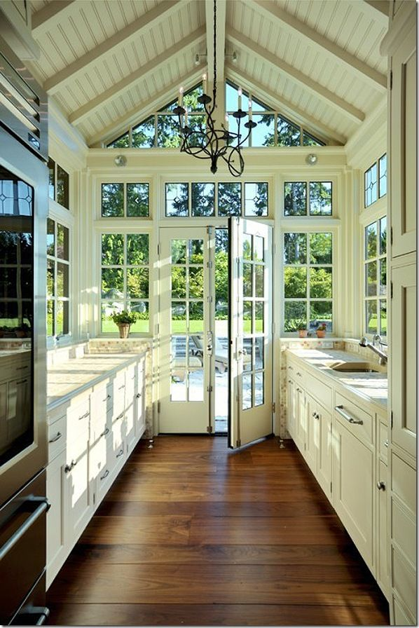 The perfect kitchen for the lakehouse I will never have! :)