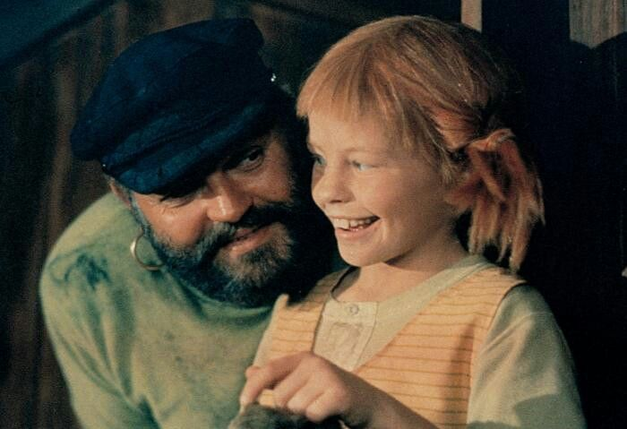 Inger Nilsson and Beppe Wolgers playing Pippi's father Captain Efraim Longstocking.