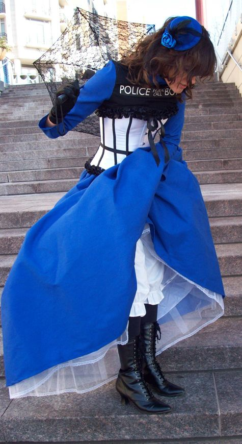 """I love that she used the """"windows"""" as the corset.....    Check under your Skirts by ~FlansPirateWench on deviantART"""