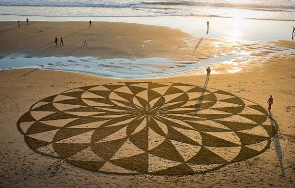 Sand Paintings | Andres Amador http://www.arch2o.com/sand-paintings-andres-amador/