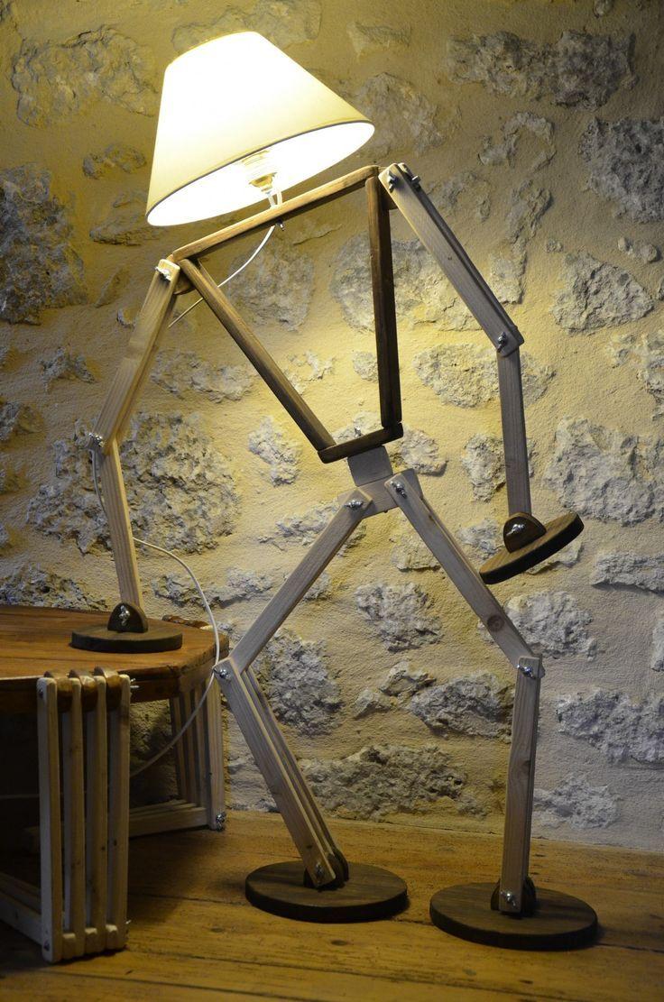 Lampe articulée géante. Une touche d'humour ㋡