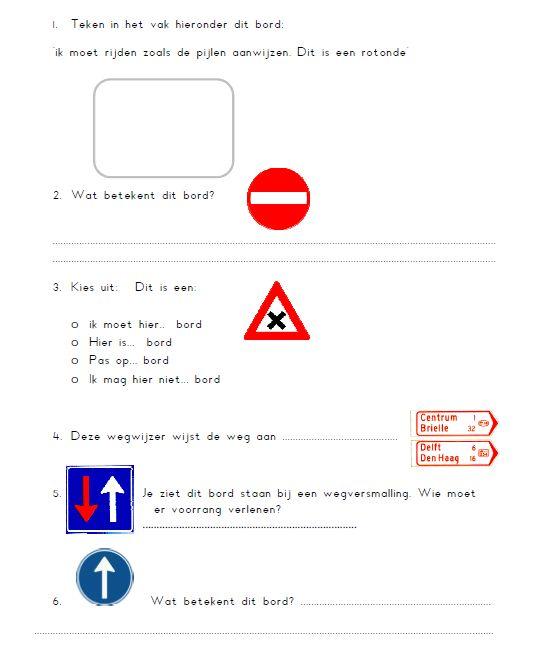 Achterin het werkboek van Wegwijs groep 7 kun je een overzicht van de verkeersborden vinden. Hierbij heb ik een toets gemaakt om deze verkeersborden te overhoren