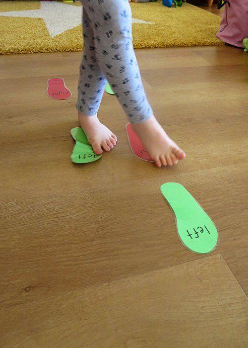 Área: Motricidad gruesa Objetivo: Trabajar con grupos musculares grandes  Estrategia:  Huellas Actividad: El niño deberá seguir las huellas del piso Material: Huellas de colores Tiempo: 15 min