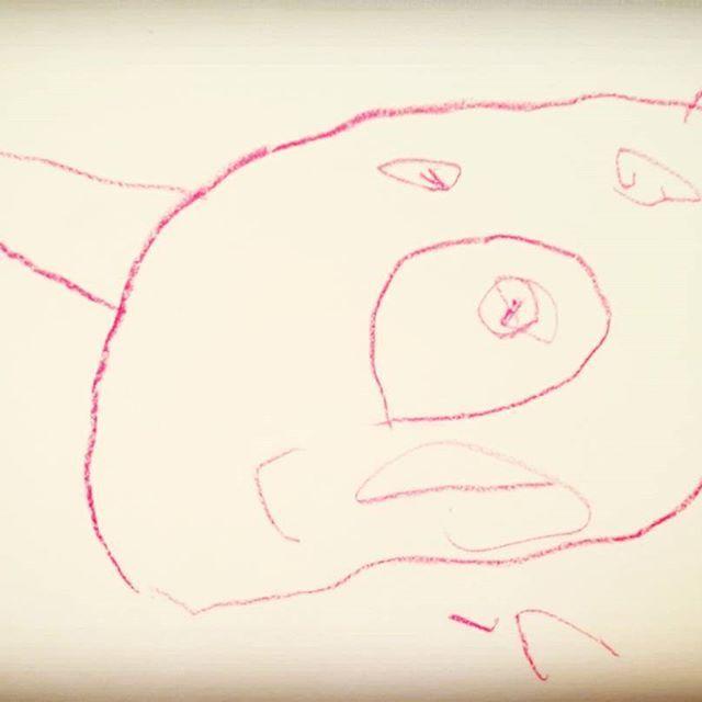 長男が初めて書いた絵、こちら💛 未だに色の識別能力ほぼなし  #ぶたじゃないよ  #愛犬 #チワワ #ボストン #ミックス犬 まぁほぼぶたか。。。笑 #我が家の画伯  #ママ は #無限の可能性 信じてる、でも #次男に期待  #男の子ママ  #子育てあるある