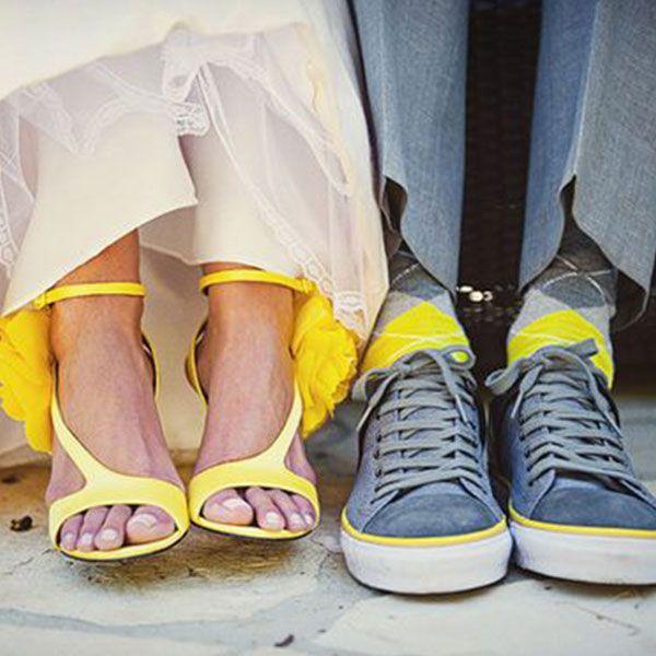 mireasa-sandale-galbene-mire-sosete-colorate